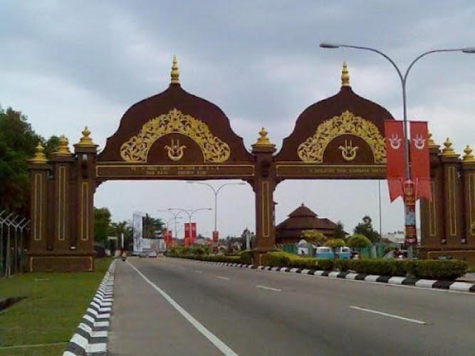 pintu-gerbang-kota-bharu