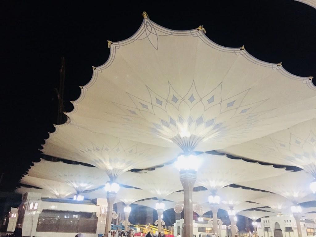 Pertama Kali Bersolat Di Masjid Nabawi