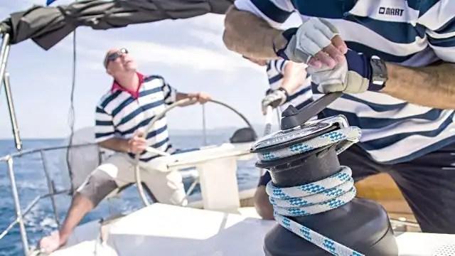 Quanto costa una vacanza in barca a vela, con e senza skipper.