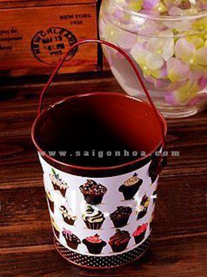 chau sat quai treo mau chocolate