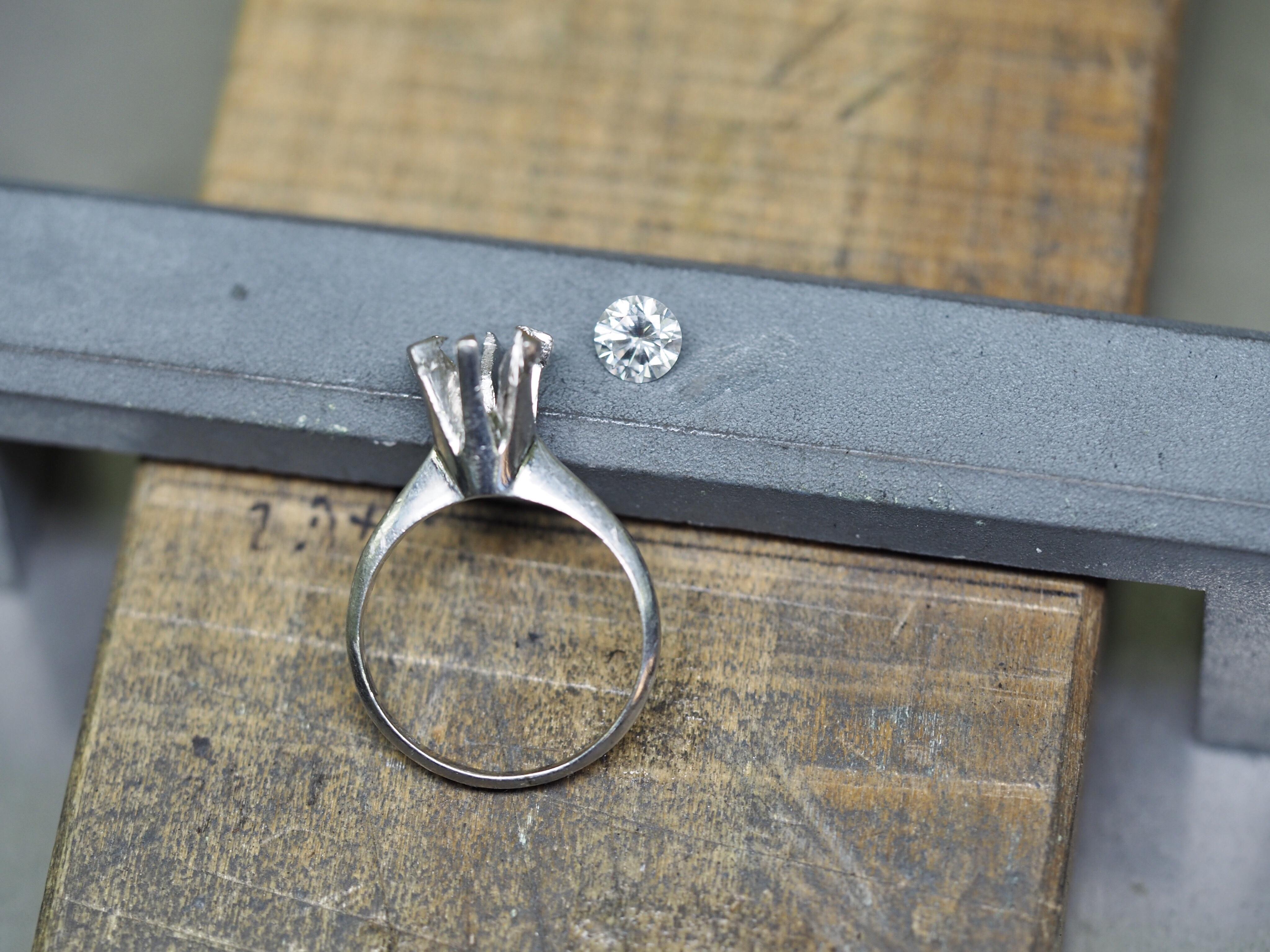 立て爪 指輪 リング 甲丸 覆輪 リフォーム リメイク リモデルジュエリー ダイヤモンド シンプル SAIJO 森拓郎