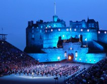 The castle and bagpipes..does it get any better?