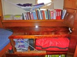 The new shelves / work bench