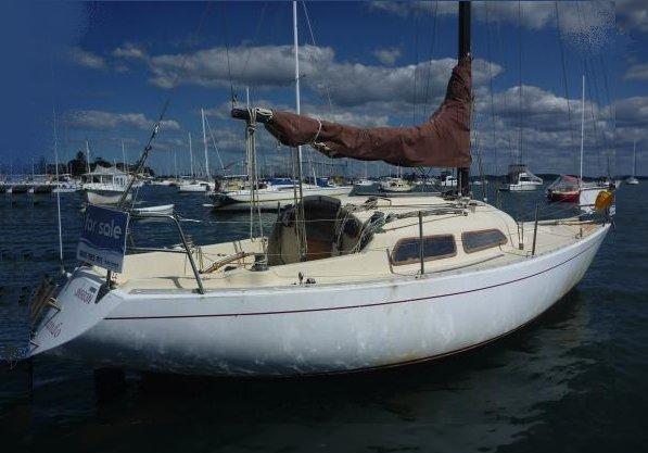 CAVALIER 26 Sailboat