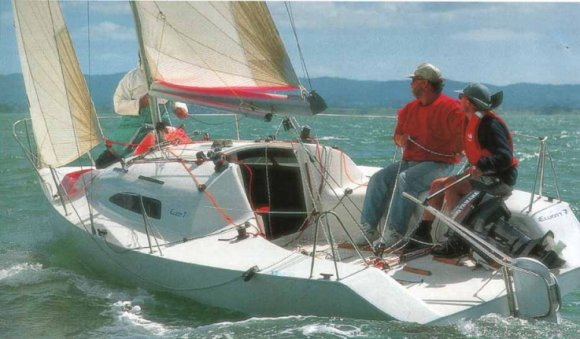 ELLIOTT 7 Sailboat