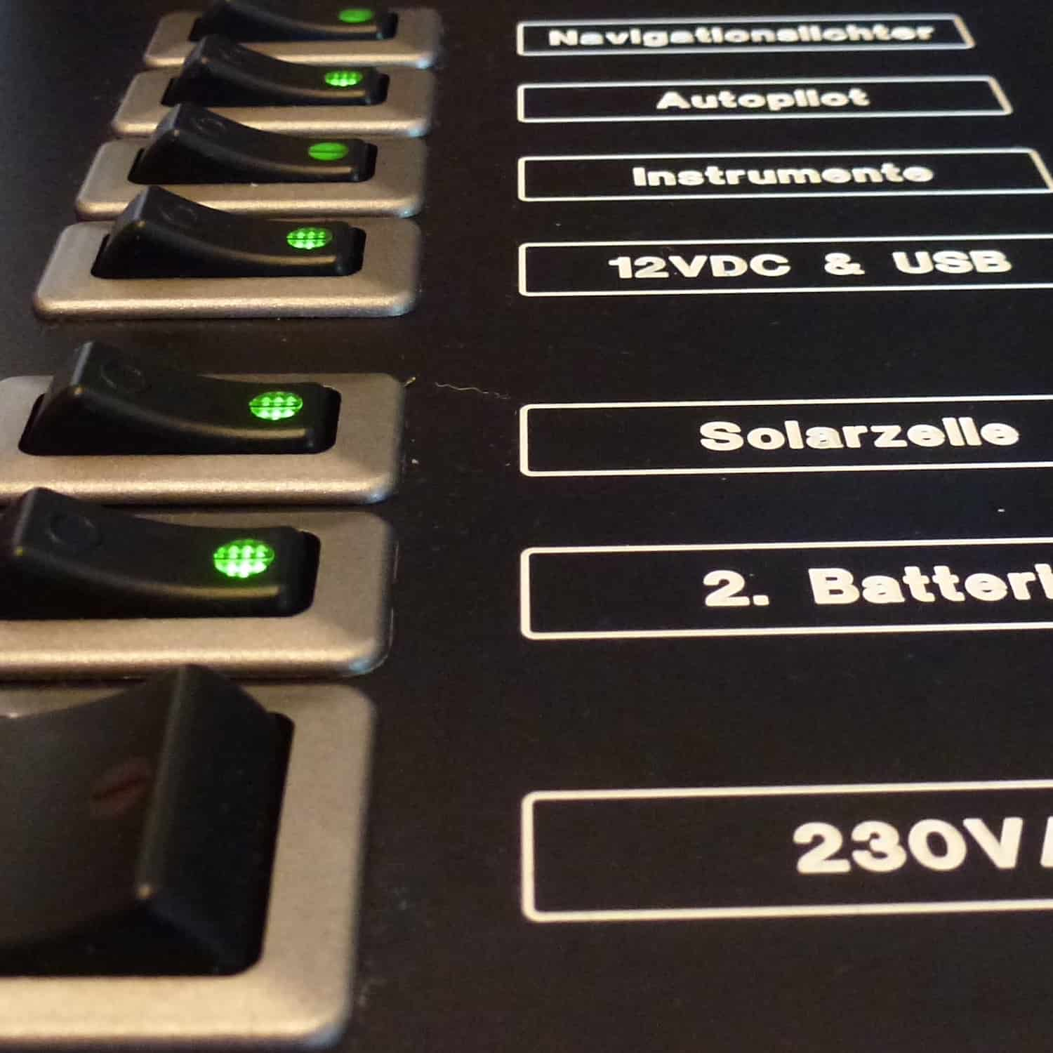 Sailectron Switch panel switch panel Schaltpaneel illuminated beleuchtet hinerleuchtet made-to-measure yacht marine
