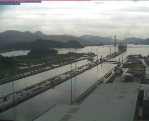 Web Cam shot of Evenstar entering Miraflores.  Thanks to Dan from Dan's Blog for capturing these.