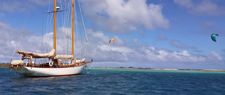 Classic kitesurfing cruises in the Grenadines