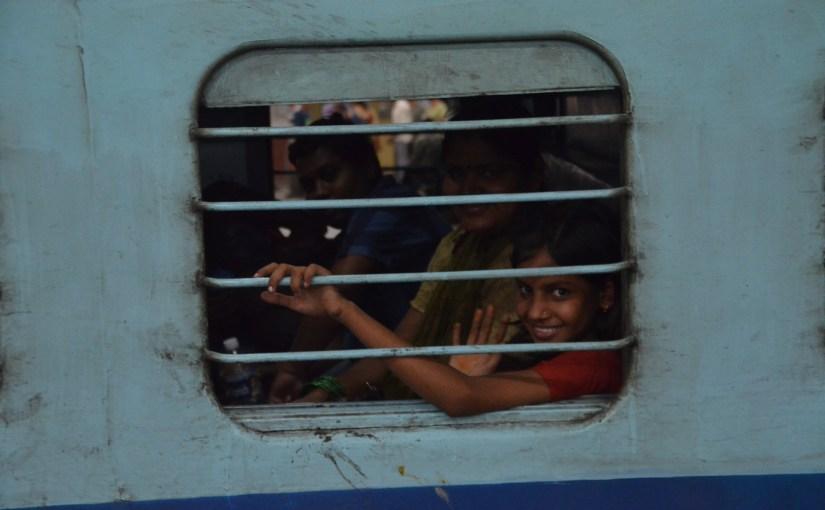 Eine 35 (km/)h Zugfahrt in Indien