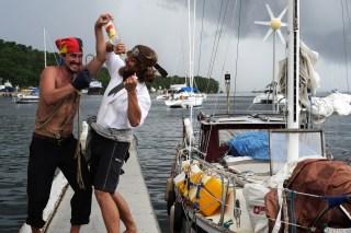 Ab jetzt sind wir die Piraten der Karibik