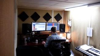 Der Studio Eigentümer Steve bei der Arbeit