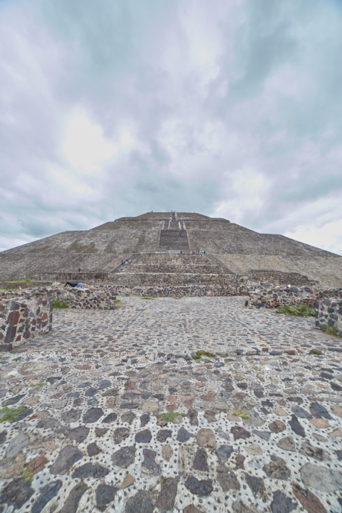 Pyramid of the Sun vertical