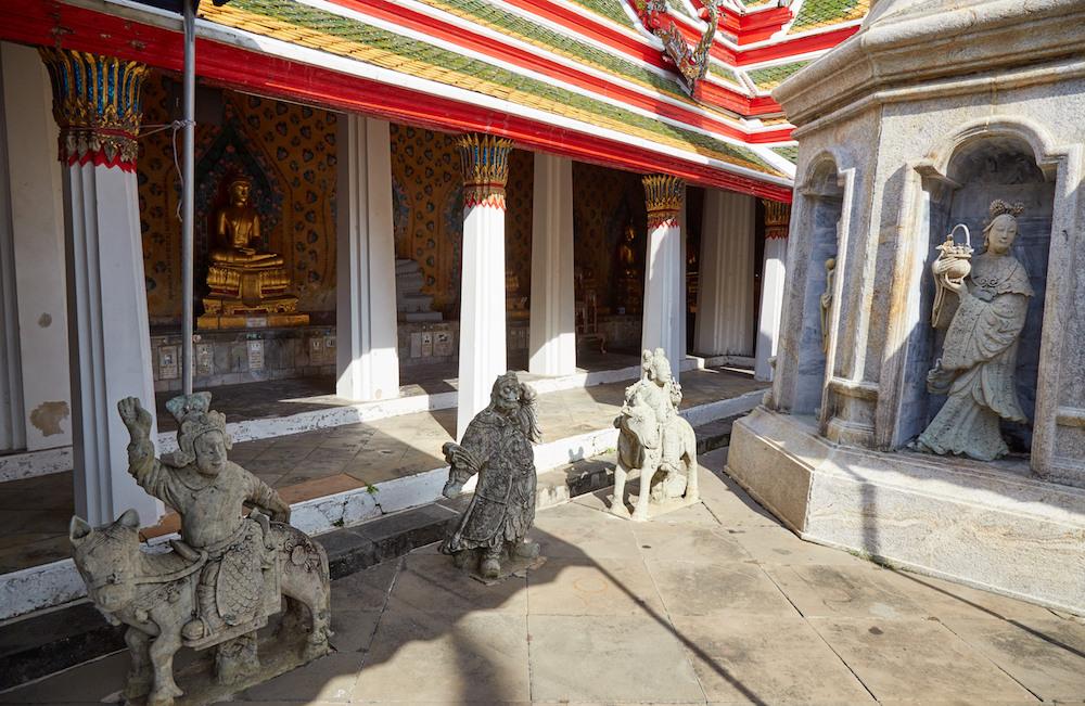 Wat Arun Chinese Statues