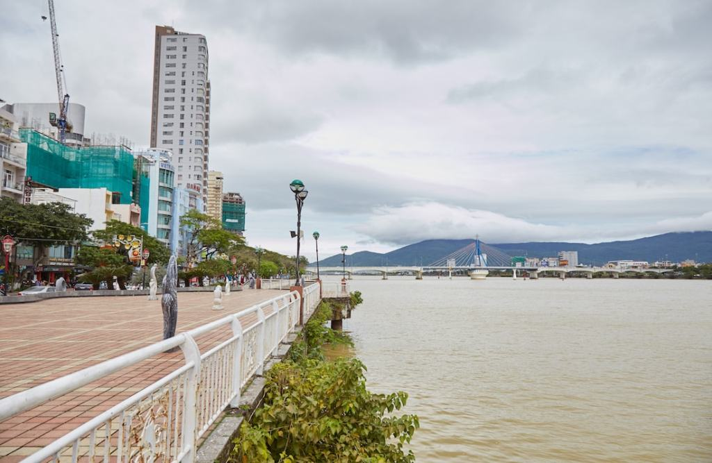 Da Nang River View