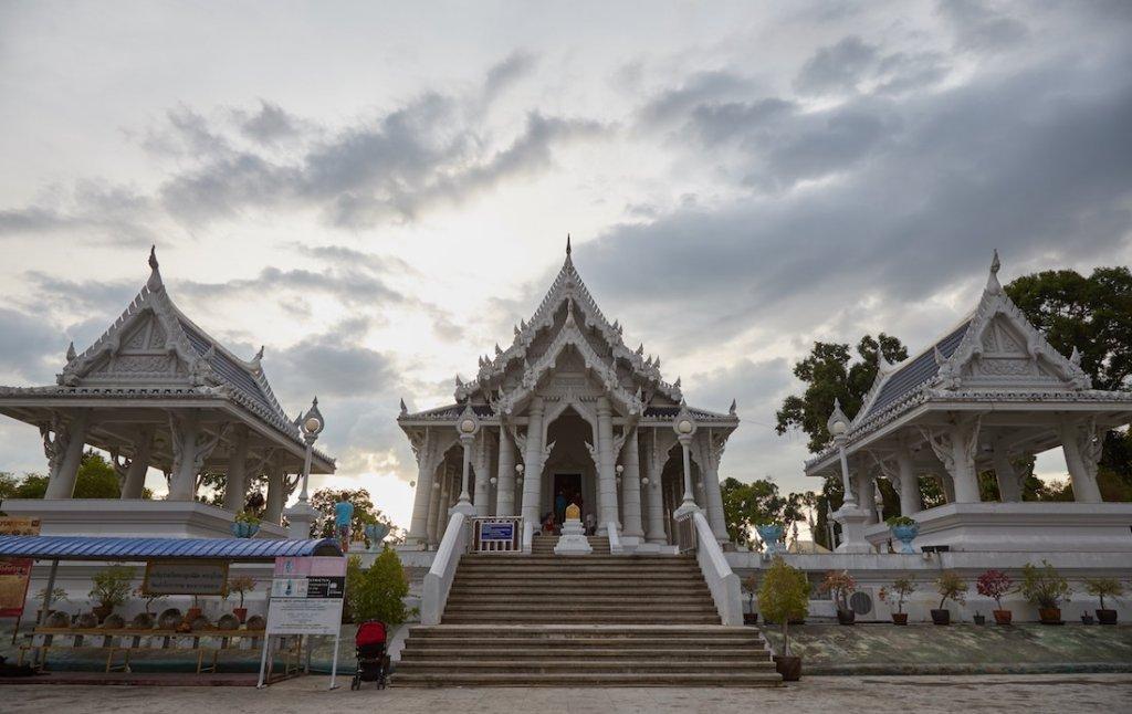 Krabi Wat Kaew Korawaram