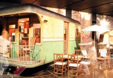 0906rv-01-vintage-rv-trailers-holt-travel-trailer