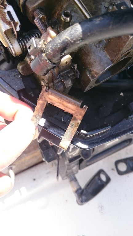 Pour laisser passer le carbu, il faut enlever le coupe circuit