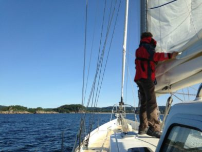 Nice and easy arriving: good shelter to store sails in Mandal's bay
