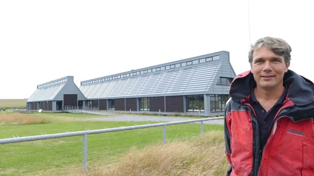 Ivar in front of the Energy Academy