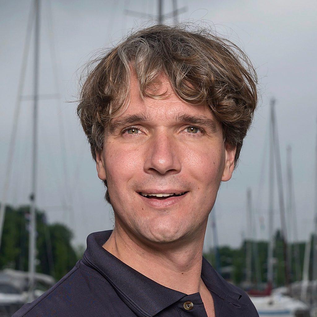 Ivar Smits by Olivier Middendorp