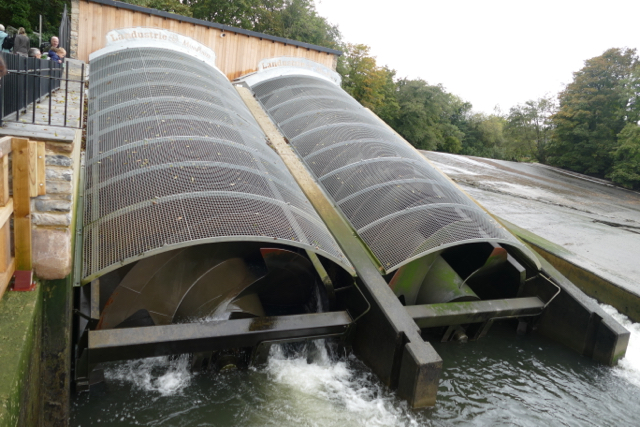 """Archimedes screw"" hydropower in Transition Town Totnes"