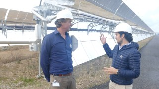 Ivar and Andres at the solar mirrors