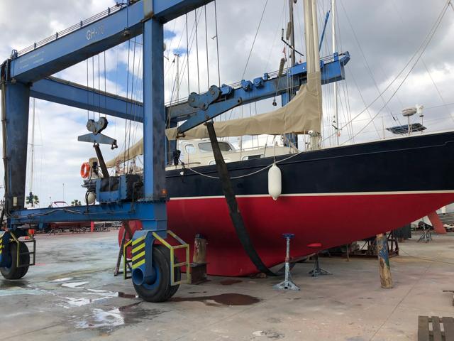 Big Blue Boat Lift