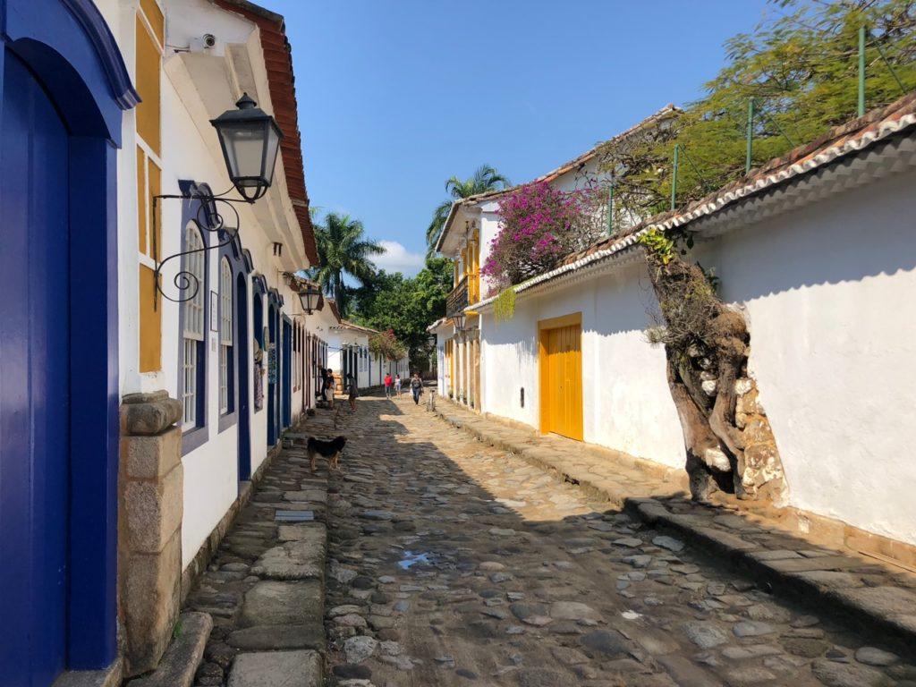 Parati street at low tide