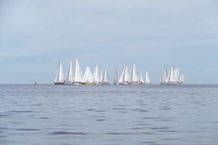 Classic boat race at Colonia