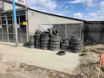 Used car tires are an abundant resource in Ushuaia