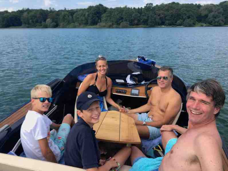 E-boating on Starnberger See with Floris' sister and family