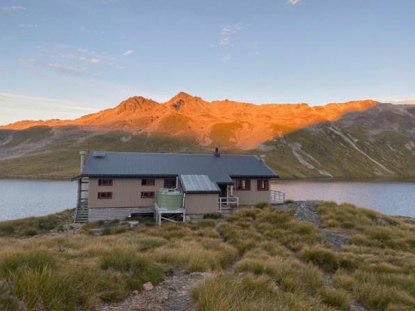 Early morning start at Angelus Hut