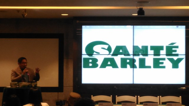 Kuya Kim renews partnership with Sante, known for its line of Sante Barley Products