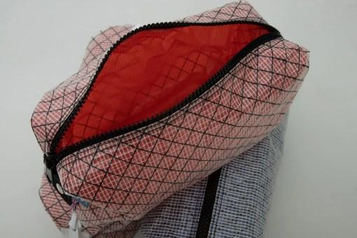 kevlar-washbag-red