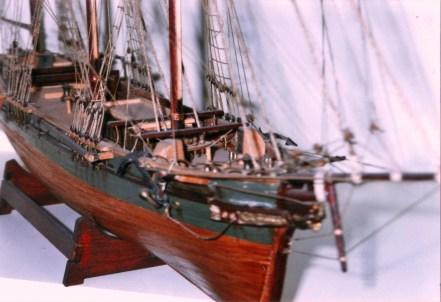 Dettaglio della prua - Detail of the bow