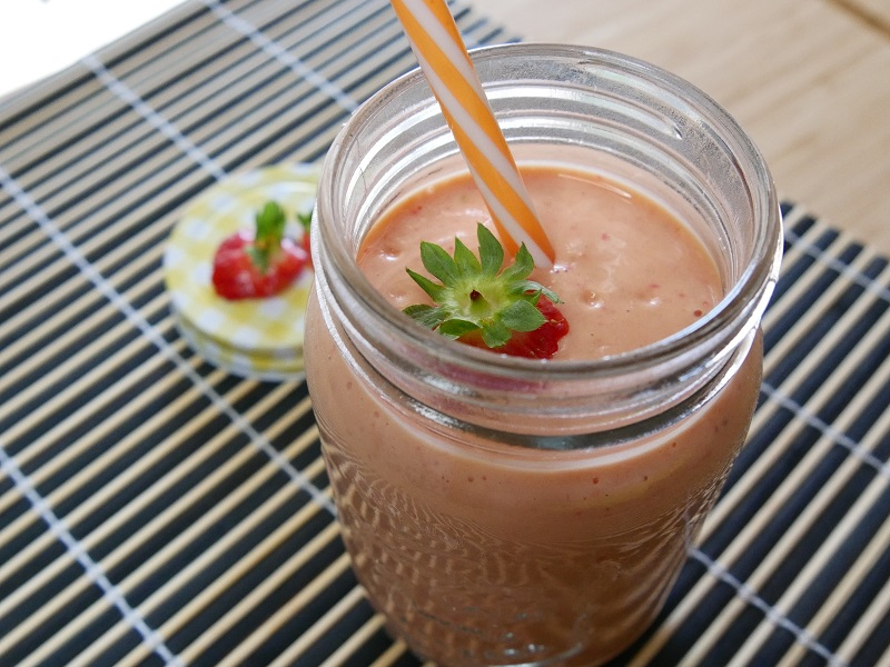 Smoothie mangue-fraise