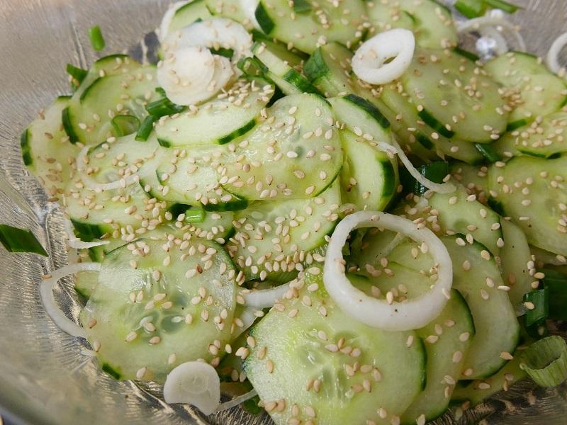 Salade de concombre à lasiatique - Salade de concombre à l'asiatique