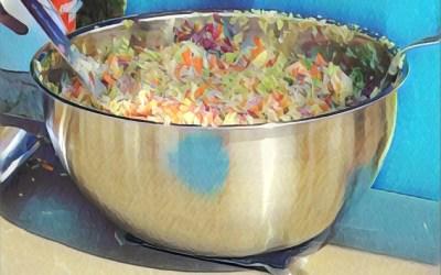 Salade chou, pommes et noix
