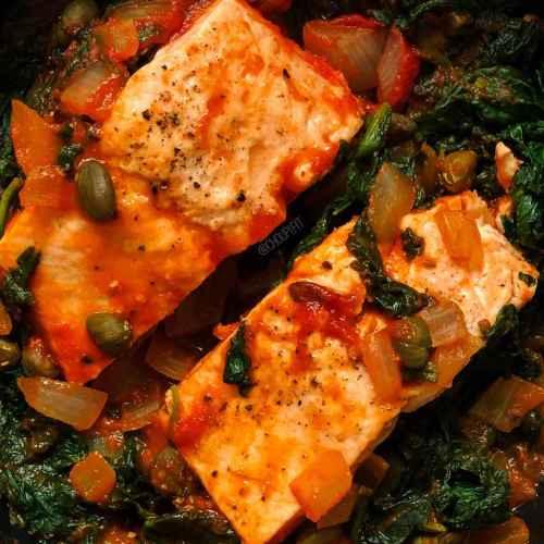 Saumon à la sauce tomate healthy