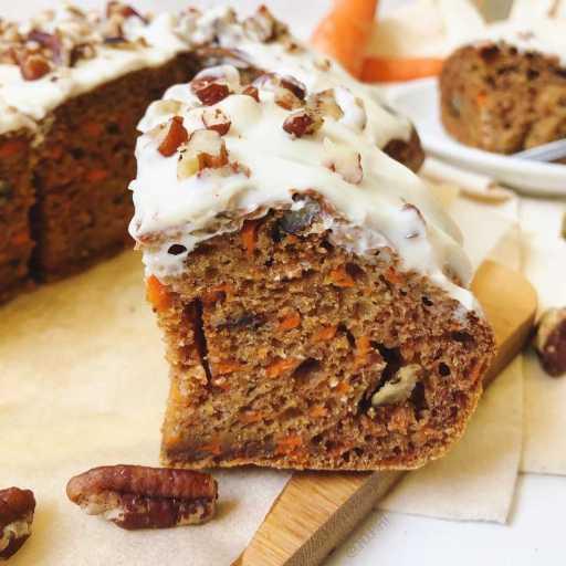 recette de gâteau de carottes (ou carrot cake healthy) sain et protéiné sans matière grasse ajoutée et sans beurre
