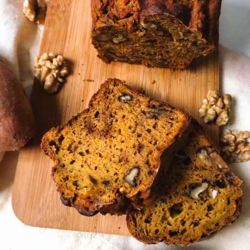 recette healthy et végétarienne de cake salé à la patate douce et aux noix sans lactose