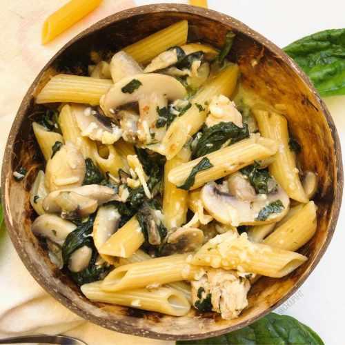 One pot pasta au poulet et aux champignons de Paris