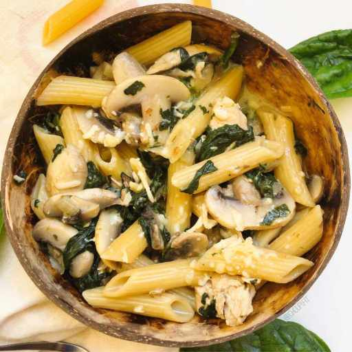 recette healthy et rapide de one pot pasta au poulet et champignon sans matière grasse ajoutée