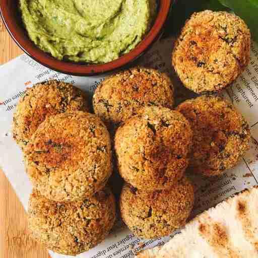 recette healthy et vegan de falafel croustillant et maison cuit au four sans farine avec des pois chiches en boîte