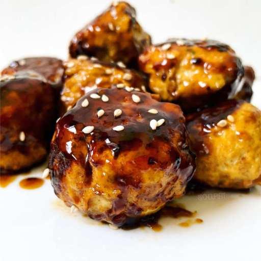 recette healthy et minceur de boulette de poulet haché japonaise à la sauce teriyaki sans lactose