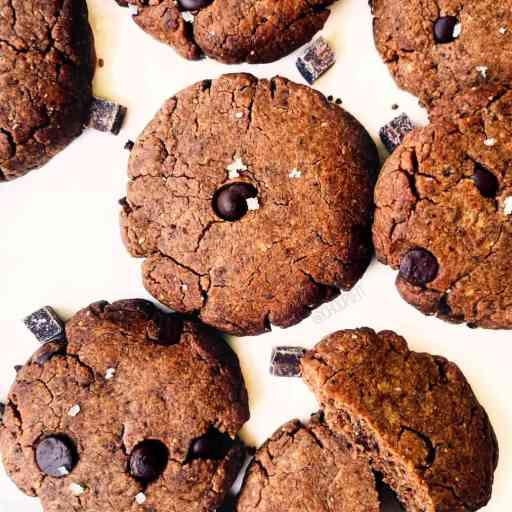 recette healthy et vegan de sablés au chocolat et aux pépites sans beurre et sans oeuf
