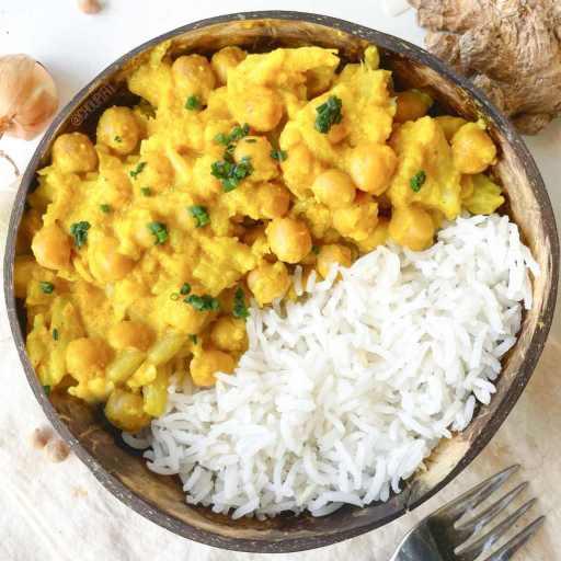 recette healthy et facile de korma végétarien aux pois chiches et chou-fleur sans crème