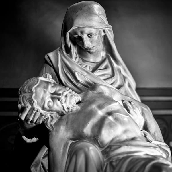 Christ mort sur les genoux de Marie