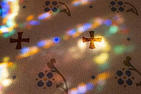 lumière au sol des vitraux