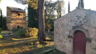 Le pigeonnier et la chapelle, de part et d'autre de la terrasse XIXe - Janvier 2018